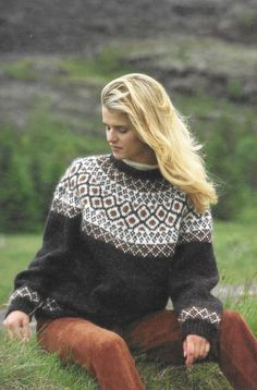 Jumper Knitting Pattern, Fair Isle Knitting Patterns, Chunky Knitting Patterns, Nordic Pullover, Nordic Sweater, Quirky Fashion, Colorful Fashion, Icelandic Sweaters, Clothing Patterns