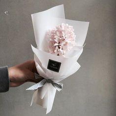 주문 레슨문의 Katalk ID vanessflower52 #vanessflower #vaness #flower #florist #flowershop #handtied #flowergram #flowerlesson #flowerclass #바네스 #플라워 #바네스플라워 #플라워카페 #플로리스트 #꽃다발 #원데이클래스 #플로리스트학원 #화훼장식기능사 #플라워레슨 #플라워아카데미 #꽃스타그램 . . . #히야신스 #꽃다발 #꽃모닝 . . 향이좋은 히야신스 미니다발