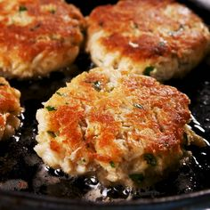 recipes Best Crab Cakes Ever Crab cakes are always in the appetizers sections of fancy seafood restaurants. So a lot of people are intimidated to make them at home. They're so easy, literally anyone can do it. Here's everything you need to know. Crab Cake Recipes, Appetizer Recipes, Seafood Appetizers, Crab Cakes Recipe Panko, Can Crab Meat Recipes, Canned Crab Recipes, Lunch Recipes, Crab Cakes Recipe Best, Blue Crab Recipes