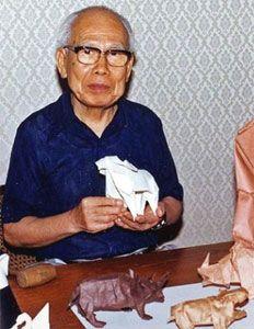 L'artista giapponese Akira Yoshizawa nasce a Kaminokawa (Tochigi) il giorno 14 marzo 1911; è considerato ancora oggi il più importante maestro della tradizionale arte dell'origàmi. Con questo termine…