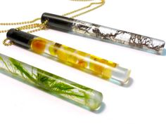Black seaweed resin pendant necklace green by GoldFingerBarcelona