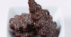 Schoko-Mandelplätzchen ist ein Rezept mit frischen Zutaten aus der Kategorie Plätzchen. Probieren Sie dieses und weitere Rezepte von EAT SMARTER!
