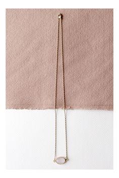 Collar piedra de cuarzo  www.facebook.com/sybillebcn