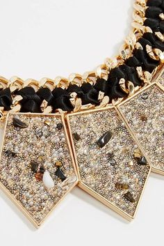 23 Completely Gorgeous Necklaces To Make A Statement With