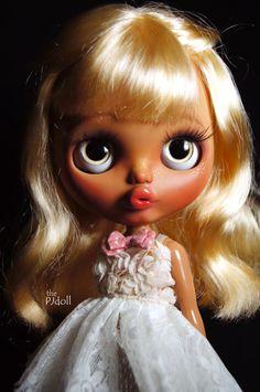thePJdoll- [ Sally ! ] Custom Blythe Doll/tan girl/OOAK, handmade Blythe custom/azone/art doll/alpaca wigs/pouty face