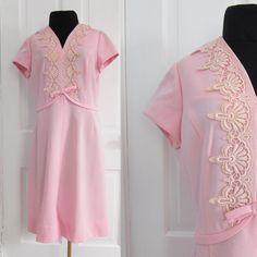 Vintage Size Large Manford Pink Polyester Mod #60s #Shift #Dress with Lace by AmbassadorGrooviness