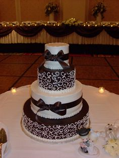 Black and white alternating scrollwork cake.. Love it