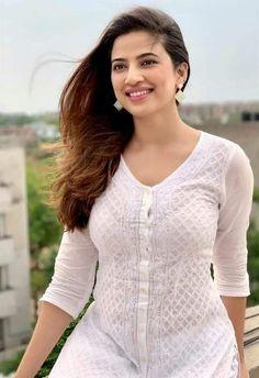 Beautiful Girl In India, Beautiful Girl Photo, Beautiful Saree, Beauty Full Girl, Cute Beauty, Beauty Women, Beautiful Bollywood Actress, Most Beautiful Indian Actress, Hollywood Actresses