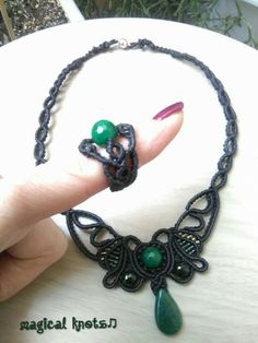 Macrame necklace and ring with green agate stones