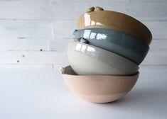 blue and white pottery bowls, modern ceramic bowls, bird bowls, dark blue stoneware tableware, serving bowl set in white and blue Stoneware Clay, Ceramic Bowls, Ceramic Wall Art, Black Clay, Unique Wedding Gifts, Modern Ceramics, Pottery Bowls, Engagement Gifts, White Porcelain