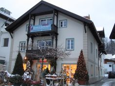 Lovely reconstruction of a house from 1900 in Innsbruck Igls #hilberhaus #planetimmobilien