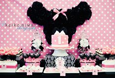 Minnie Mouse 1st birthday  {Bee*s Knees Parties}