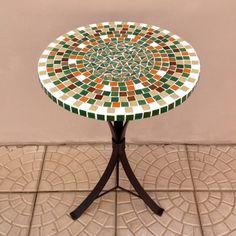 Curso de mosaico e curso de reaproveitamento no atelier | Além da Rua Atelier Mosaic Tile Art, Table Top Design, Round Table Top, Steel Art, Artsy, Furniture, Cacti, Beadwork, Stools
