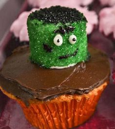 Cool Frankenstein #Cupcake for #Halloween. Click For Recipe