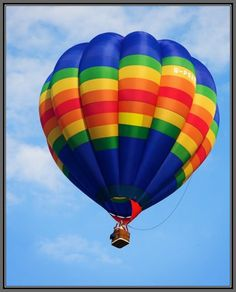 Love hot air balloons..they're so pretty. Never really wanted to go up in one though.