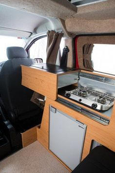 British Firm Turns Nissan Electric Van Into Cosy, Family-Friendly Camper Van. There& even a kitchen sink, refrigerator and stove. Truck Camper, Mini Camper, Rv Campers, Camper Trailers, Kangoo Camper, Sprinter Camper, Motorhome, Camper Van Kitchen, Electric Van