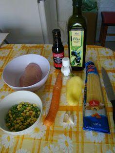 Elolvasom, elkészítem, elfogyasztom...: Kínai csirkés-zöldséges pirított tészta