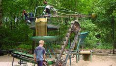 De Spelerij in Dieren (Gelderland vlakbij Arnhem) In het bos ligt de wonderlijkste plek van Nederland: De Spelerij/ De Uitvinderij. In dit park kunnen kinderen de hele dag actief spelen en ontdekken.  Het is een creatieve plek voor jong en oud. De Spelerij is een werkplaats, atelier en tentoonstellingsruimte tegelijk. De speelobjecten in het park zijn kunstwerken. In De Uitvinderij (de werkplaats) kunnen kinderen zelf objecten en kunstwerken maken.  Aanrader!!