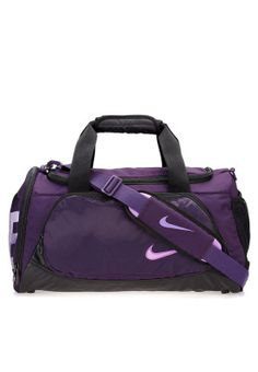 Sporty and trendy, this Nike duffel bag is the ideal gym bag for all fitness enthusiasts! Available via www.namshi.com