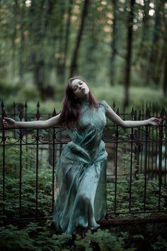 Graveyard by Luca Meneghel ft. Tanya Novikova