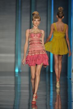 Christian Dior Spring 2009 Ready-to-Wear Collection Photos - Vogue