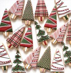 Christmas Sugar Cookies, Christmas Sweets, Christmas Cooking, Noel Christmas, Holiday Cookies, Holiday Treats, Fancy Cookies, Iced Cookies, Cute Cookies