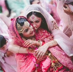 JW Marriott, Chandigarh engagement ceremony with a beautiful Wedding held at Forest Hill Resort - Stunning Sikh wedding inspiration right here! Bridal Poses, Bridal Photoshoot, Bride Sister, Sister Wedding, Bollywood Stars, Sister Poses, Sikh Wedding, Punjabi Wedding, Wedding Venues