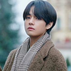 Taehyung handsome sexy winter package 2020 aesthetic edit pic boyfriend look Daegu, Foto Bts, Jin, Fanfiction, J Hope Dance, Pokerface, World 2020, Dibujos Cute, Wattpad