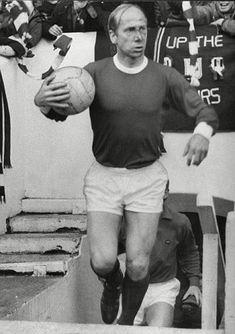 Sir Bobby Charlton looking a little dazed. #goalhangers.co.uk