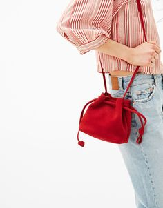Little suede bucket bag - null - Bershka United KingdomWomen's bags that everyone's talking about from Bershka. Get the latest handbags, clutches, totes, purses, backpacks or belt bags this SpringLittle suede bucket bag. My Bags, Purses And Bags, Bag Quilt, Architect Fashion, Latest Handbags, Quilted Bag, Cute Bags, Handmade Bags, Fashion 2018