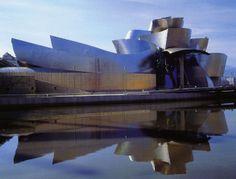 Guggenheim Bilbao Museum by Frank Gehry in Bilbao, Spain Frank Gehry, Famous Buildings, Amazing Buildings, Steel Buildings, Contemporary Architecture, Amazing Architecture, Architecture Details, Contemporary Art, Rem Koolhaas
