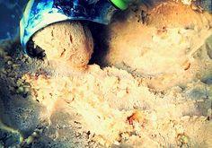 Helado de crema al licor con nueces caramelizadas http://www.deliciousmartha.com/2014/09/helado-crema-y-licor-con-nueces.html