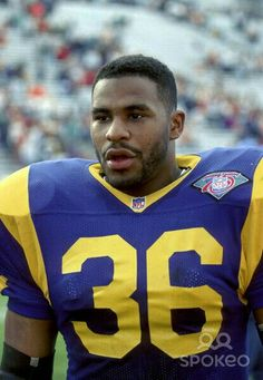 Los Angeles Rams running-back, Jerome Bettis against the Tampa Bay Football Memes, Football And Basketball, Football Players, Jerome Bettis, Nfl Los Angeles, St Louis Rams, La Rams, Football Conference, Football Pictures