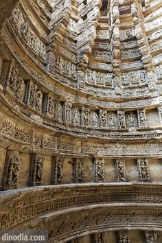 Step wells of India - History Forum Buddhist Architecture, Indian Temple Architecture, Water Architecture, India Architecture, Ancient Architecture, Beautiful Architecture, 3d Optical Illusions, Amazing India, Hindu Art
