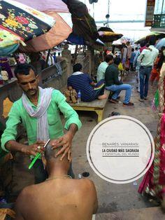 La visita a Benarés en indi, Vanarasi para nosotros, es dura, muy dura. Aquí no hacen faltan mapas, ni tener apuntado los nombres de ningún monumento. Eso es lo de menos. En este lugar sagrado las cosas pasan en cada esquina, en cualquier calle. Varanasi, India, Maps, Night Train, Names, Street, Spirituality, Cities, Goa India