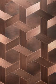 Craftsmanship and memories of manual skills, Vienna, a sophisticated covering inspired by a traditional weaving technique. The striped délabré finish enhances t Copper Diy, Copper Wall, Copper Metal, Deco Cafe, Copper Backsplash, Kitchen Backsplash, Backsplash Ideas, Copper Interior, Copper Color