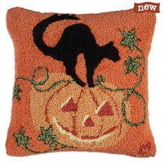 Hand Hooked Halloween Pillow. Pumpkin Cat Pillow.