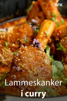 Lammeskanker i curry Asian Recipes, Ethnic Recipes, Tandoori Chicken, Chicken Wings, Lamb, Curry, Food And Drink, Meat, Snacks
