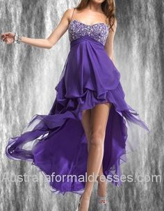 This is purple high-low prom dress is made by flying light chiffon showing all the glamorous point of a lady. The high-low design let ladies send out their sexy smell. At the same time, they can still be an elegant and noble woman. With the sweetheart neckline decorated by shining beads, I believe you must be the fair in the dark night.