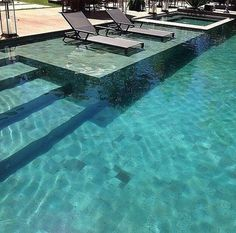 Comfy Backyard Designs Ideas With Swimming Pool Looks Cool 40 Bequemer Hinterhof entwirft Ideen mit Swimmingpool sieht cool aus 40 Luxury Swimming Pools, Luxury Pools, Dream Pools, Swimming Pools Backyard, Swimming Pool Designs, Backyard Pool Landscaping, Backyard Pool Designs, Hotels In Bali, Moderne Pools