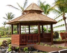 Take a glimpse at the new gazebo seating area with a fire pit located right near the lobby. Isn't that cozy?