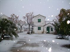 nieva sobre el poblado