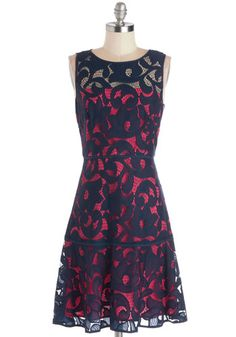 Love the lace overlay on this dress!  http://rstyle.me/n/dyhhgnyg6