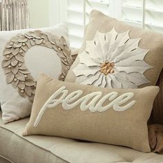 I want to share some nice ideas of designs in decorative cushions, decorative cushions are certainly a plus to improve any corner of our home and give it a unique touch, have the facility to give a complete turn to a space in decoration .
