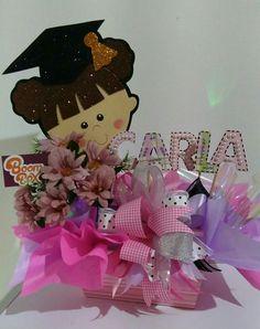 Graduacion Boda Vintage Ideas, Candy Bouquet, Grad Gifts, Craft Party, Graffiti, Minnie Mouse, Centerpieces, Balloons, Graduation