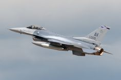 89-2009_F-16CFightingFalcon_USAirForce_FFD