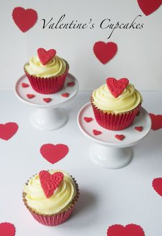 Sugar Ruffles, Elegant Wedding Cakes. Barrow in Furness and the Lake District, Cumbria: Valentine's Day Cupcakes 2013