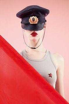 Lisa Carletta pour Jean Gen magazine standard poupee russe