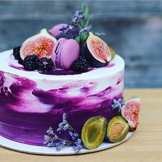 30 Stylish Ways To Rock Purple At A Fall Wedding - Rezepte - Cake Recipes Gorgeous Cakes, Pretty Cakes, Amazing Cakes, Bolo Tumblr, Bolo Original, Food Cakes, Cupcake Cakes, Baker Cake, Purple Wedding Cakes
