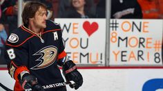 Teemu Selanne listened to the fans and inked a one-year deal with the Anaheim Ducks on Thursday. (Photo by Debora Robinson/NHLI via Getty Images)